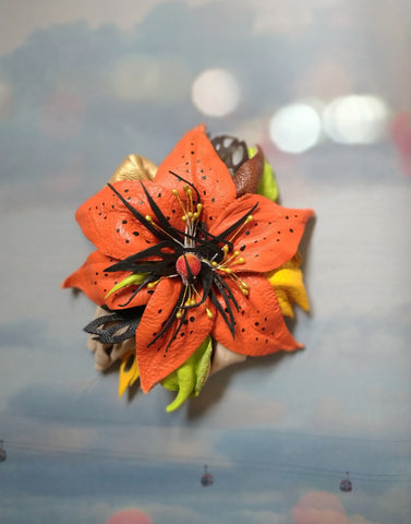 Autumn lily brooch leather, lily brooch, Leather brooch lily, Coat brooch lily, brooch leather lily, lily brooch gift, orange lily brooch