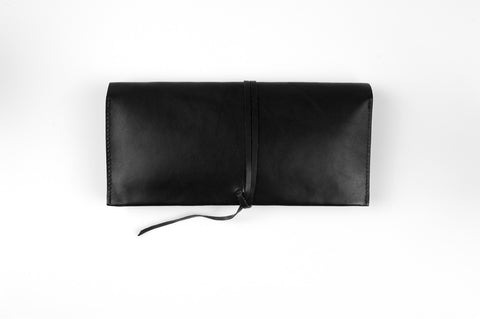 wrap clutch - black