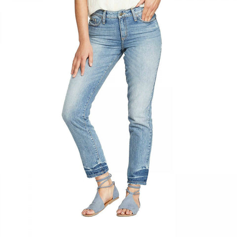 Universal Thread Women's Relaxed Hip & Thigh High-Rise Straight Leg Jeans