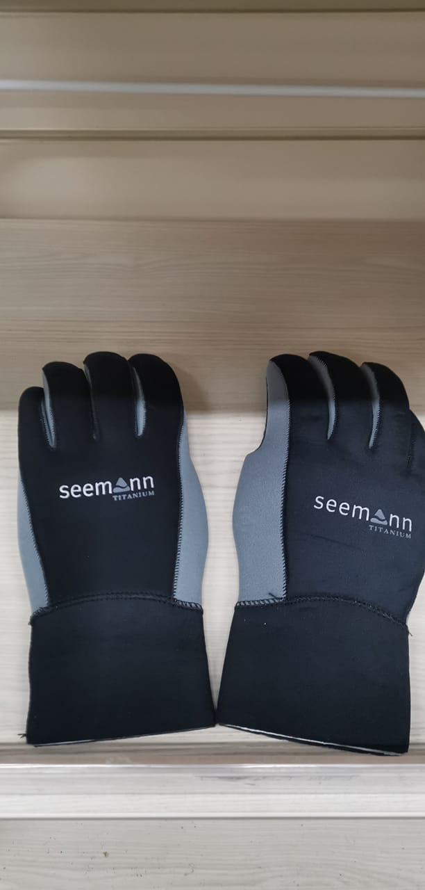Seemann Titanium 3mm Semi-Dry Gloves