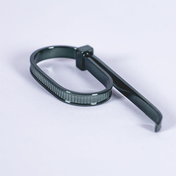 Zip Tie 2 Finger Ring Green