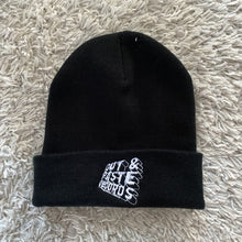 Load image into Gallery viewer, Skratchlords / Cut & Paste Reversible Beanie