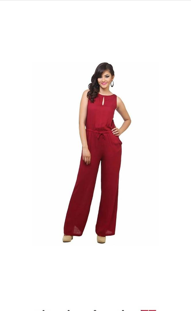 Alluring Red Solid Rayon Women's Jumpsuit
