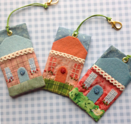 Cute Cottage Key Fob