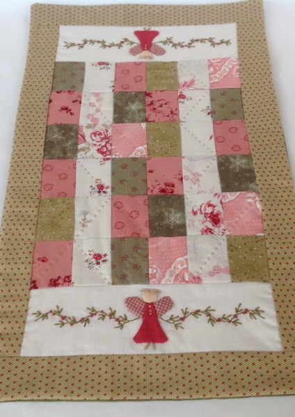 angel table runner pattern