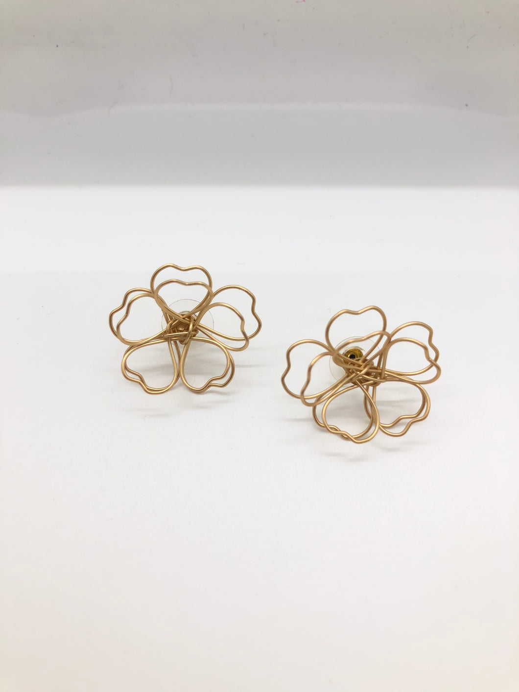 Gold Wire Flower Studs