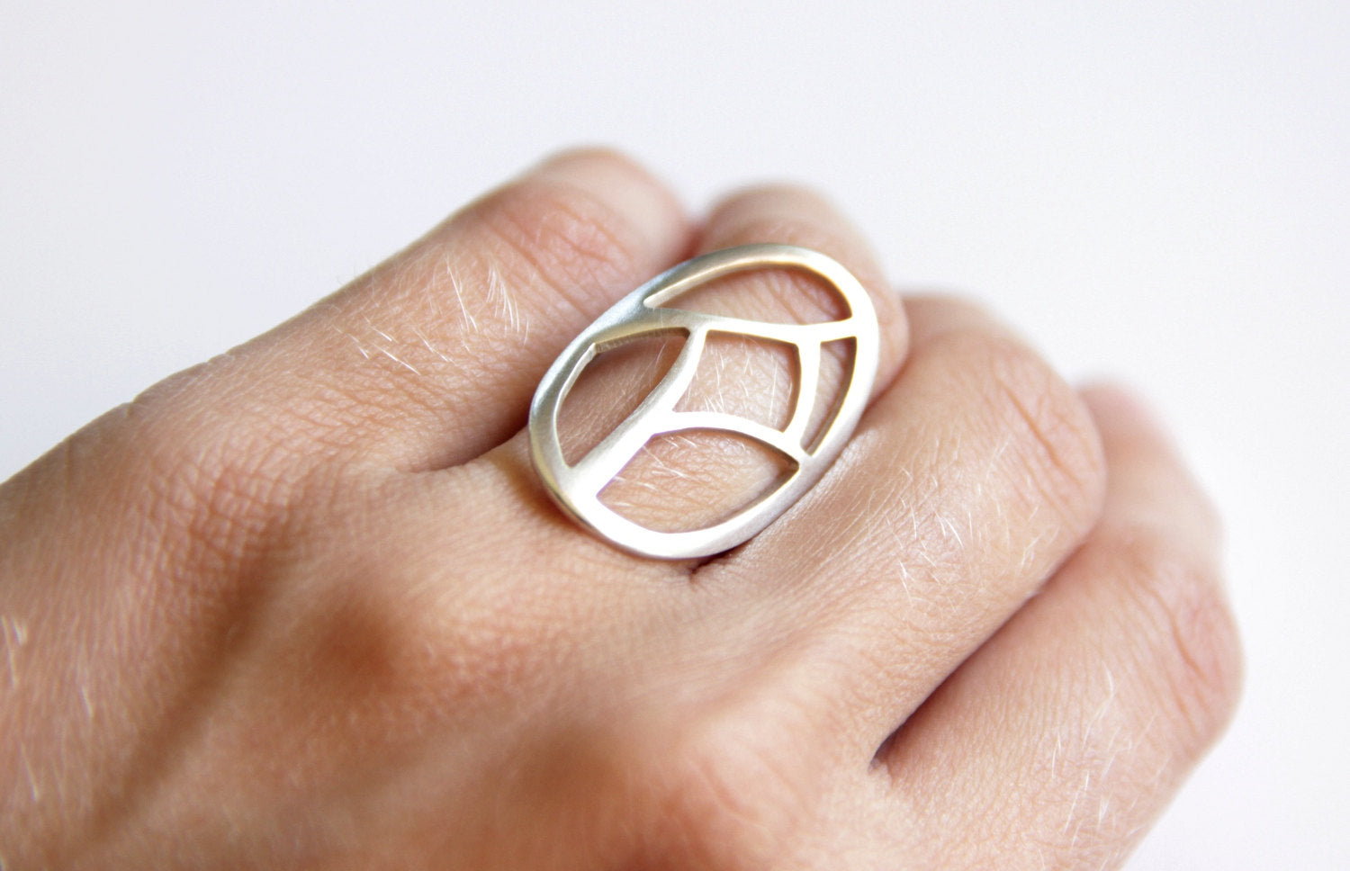 Sterling Silver Oval Ring W/ Geometric Cutout
