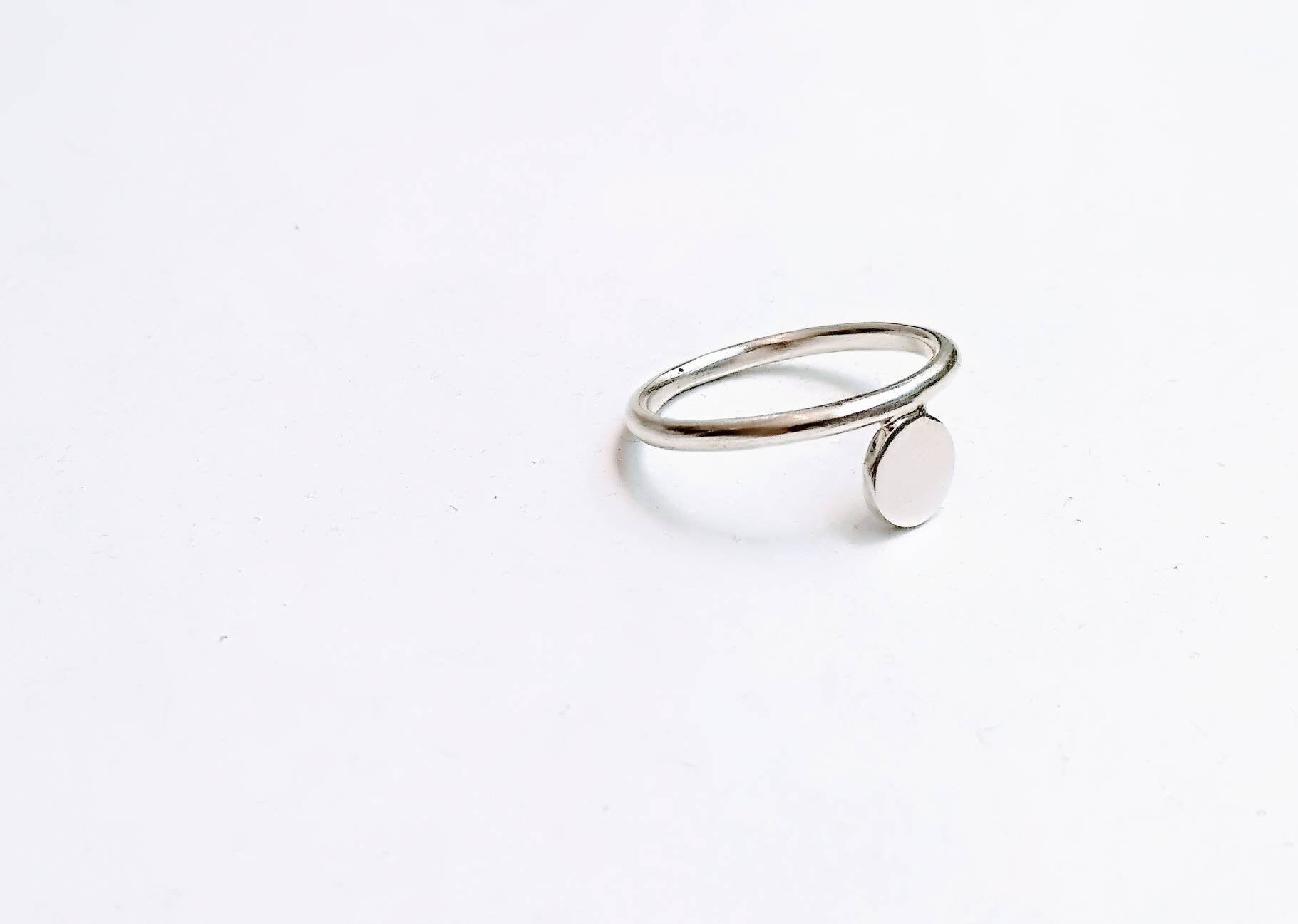 Sterling Silver Circle & Thin Band Ring