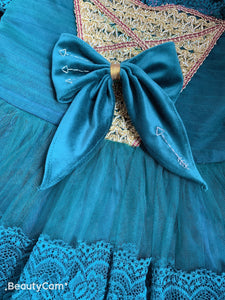 Princess Miranda inspired velvet bow