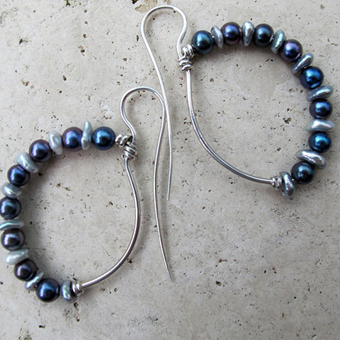 ROMAN DANCER KEISHI PEARL SILVER LARGE - Pure Silver and Keishi Pearl Earrings