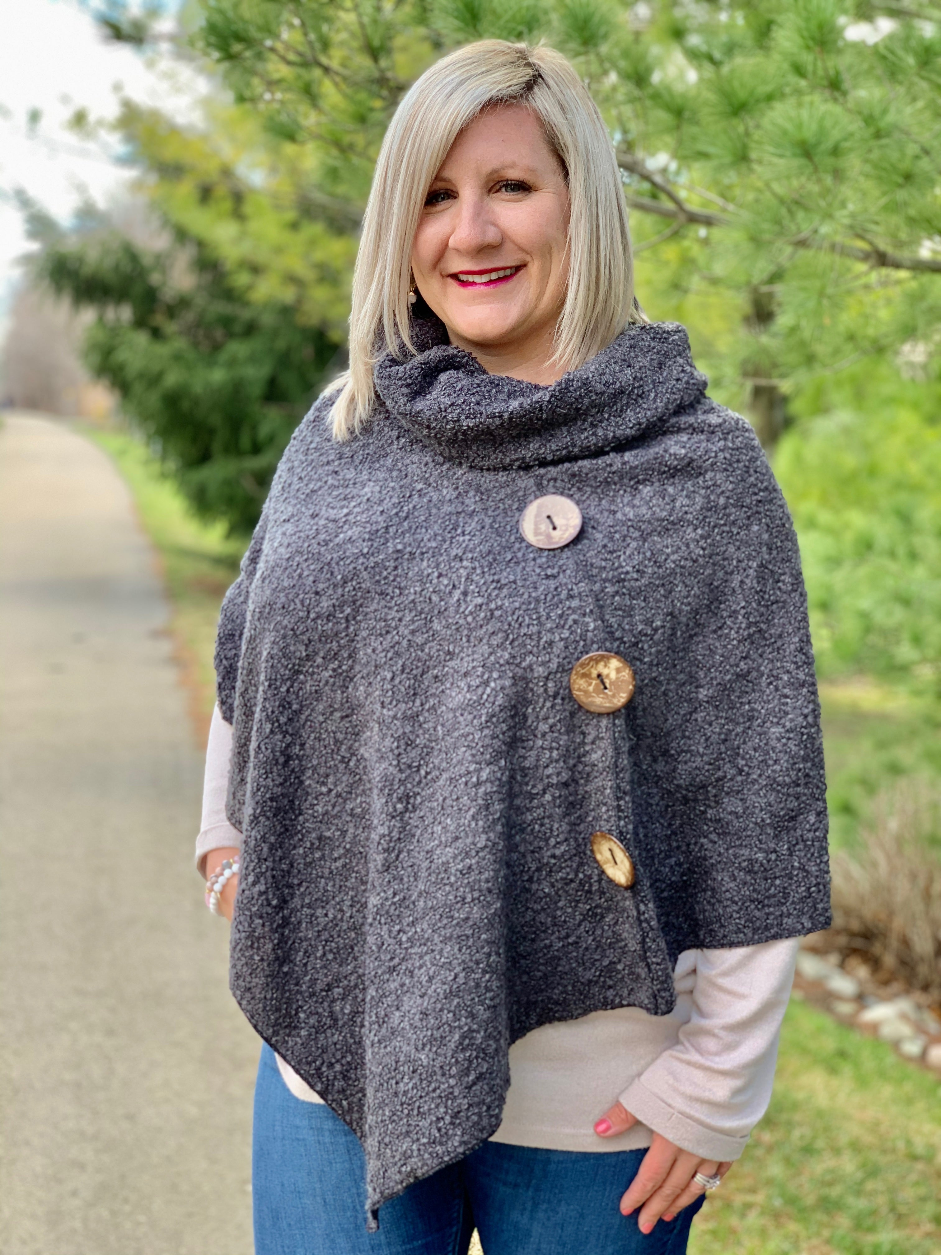 Button Boucle Poncho - Charcoal
