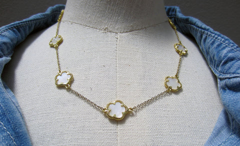 Bay to Baubles Judy Clover Collar Necklace