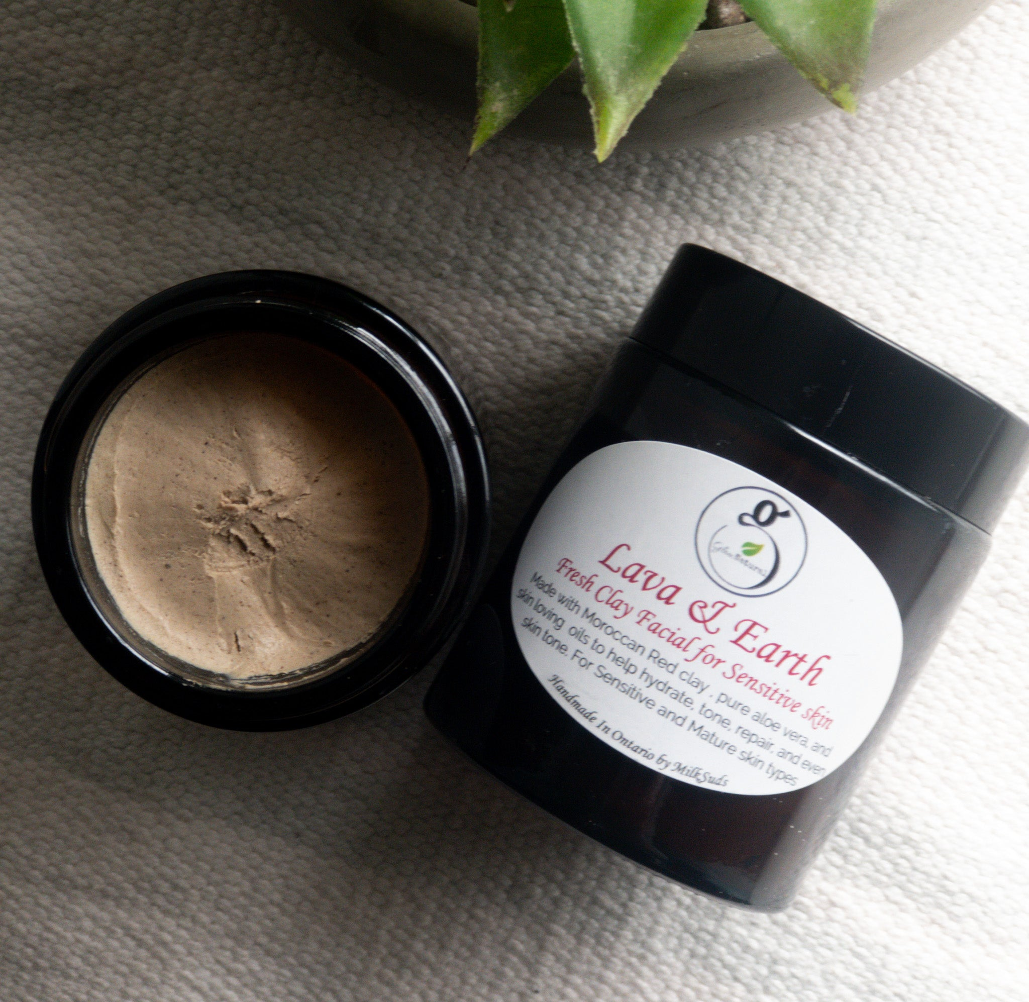 Lava & Earth Clarifying Masque