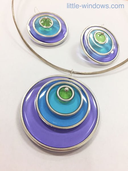 create resin jewelry with color film
