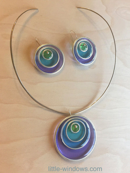 create resin jewelry with color film Nunn Design Hoops