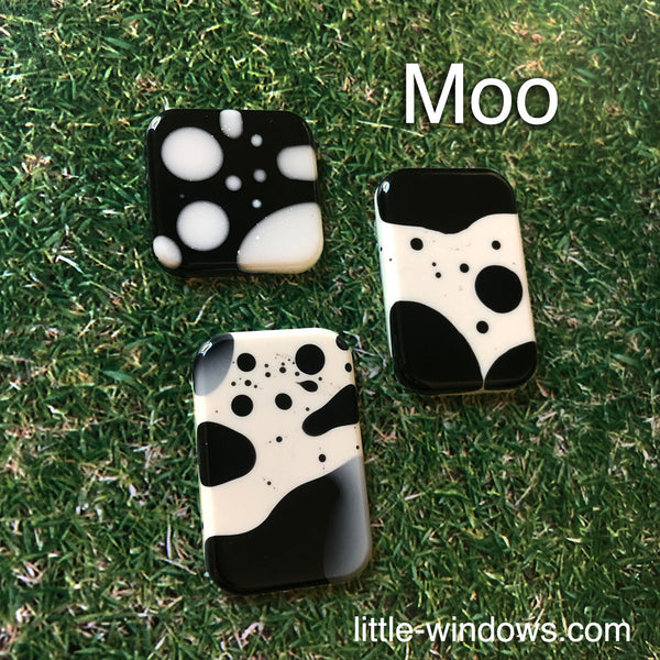 resin craft jewelry black white casting art resin cow