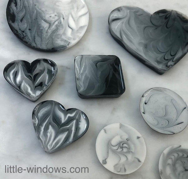 resin crafting marbled black and white art resin