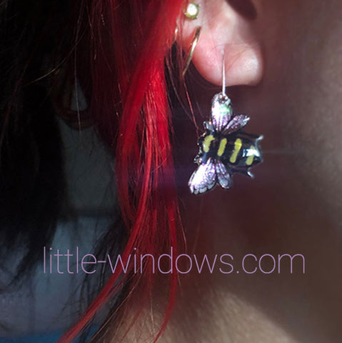 resin jewelry making domed bumble bee earrings alcohol ink