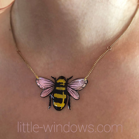 resin jewelry making domed bumble bee necklace alcohol ink