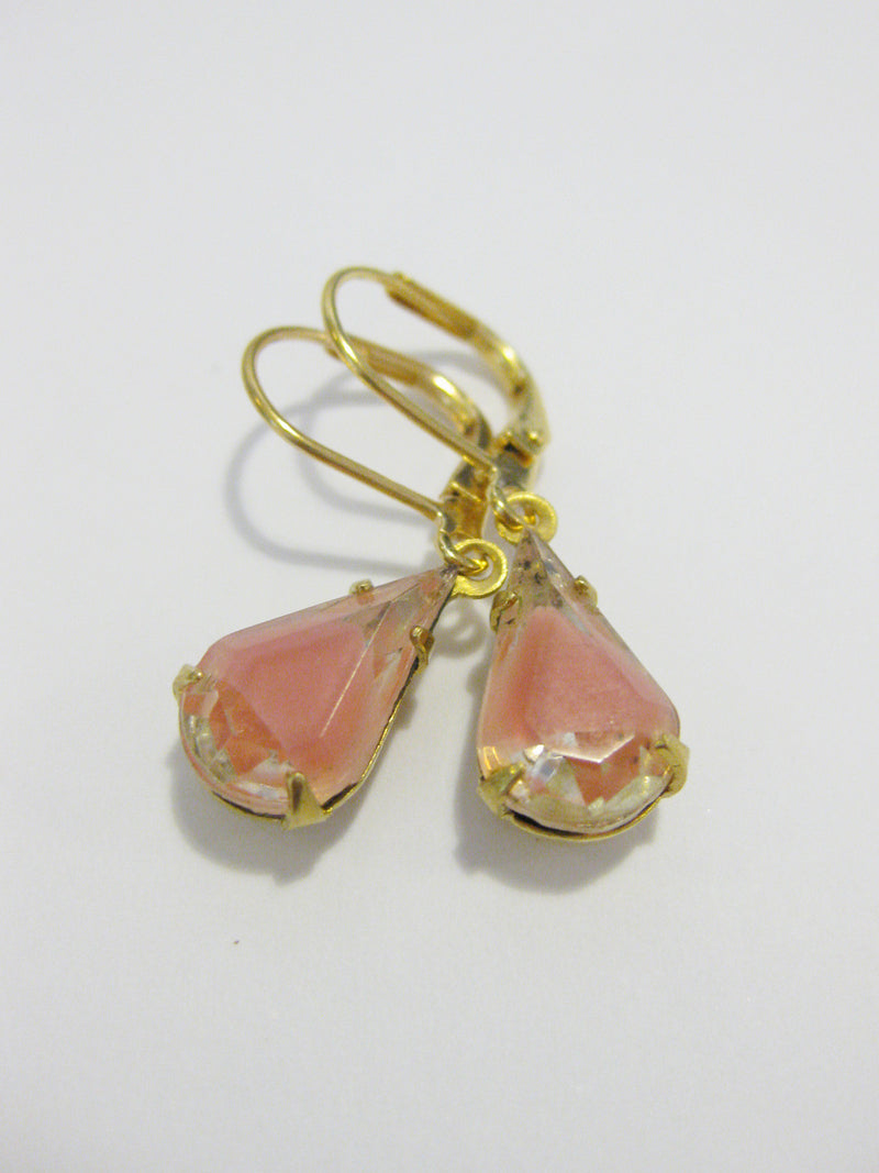 Rose Earring - Antique Pink