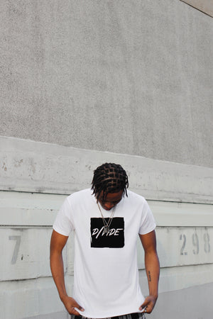 DIVIDE BOX LOGO T-SHIRT