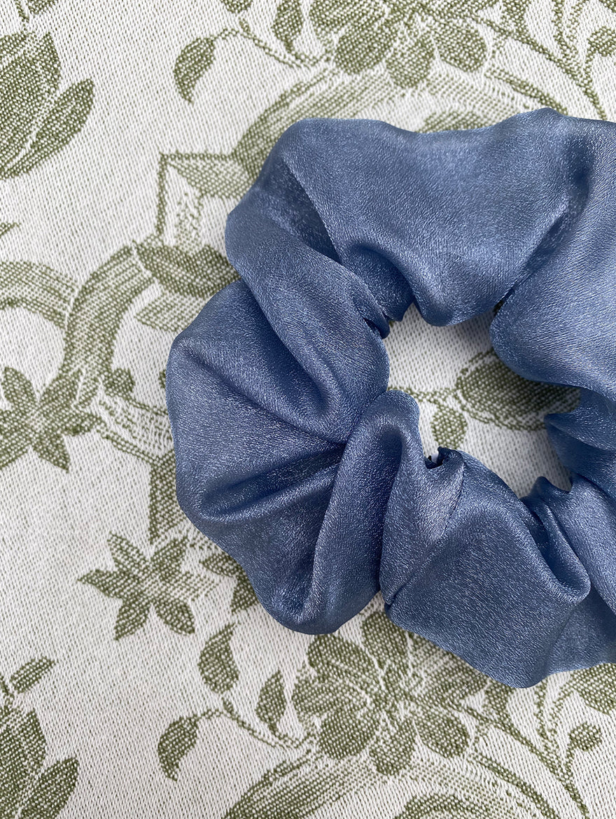 Grey Organza Scrunchie