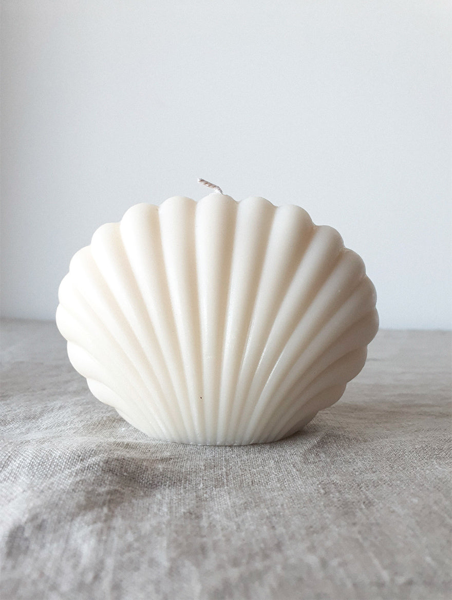 Pearl White Shell Candle