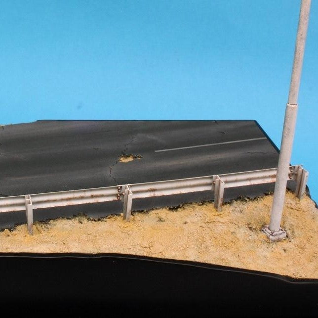Black Ops Models 1/35 Armco Highway Barrier Section Kit