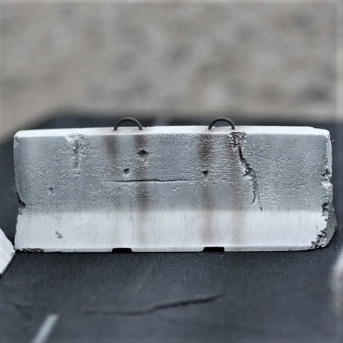 Black Ops 1/35 Jersey Barrier - Light Damage