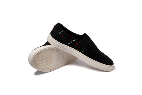 Nakha Black Slip-On - Yala Garden