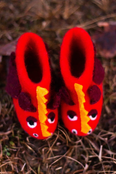 Red Dragon Shoes - yala-garden -