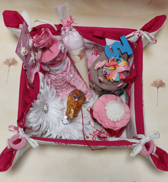 Newborn Baby Girl 12 pc Gift Hamper