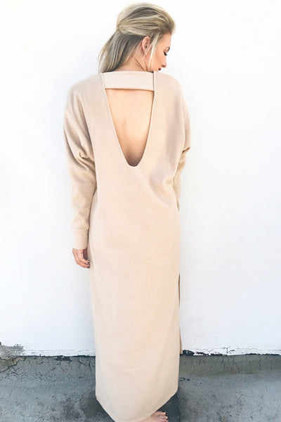 THE BLANKET DRESS (TAN)