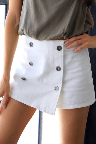 BELLE BUTTON WRAP SKORT