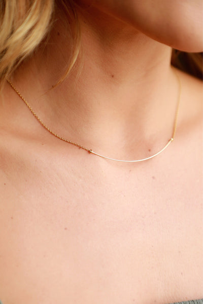 HONEYCAT BAR NECKLACE