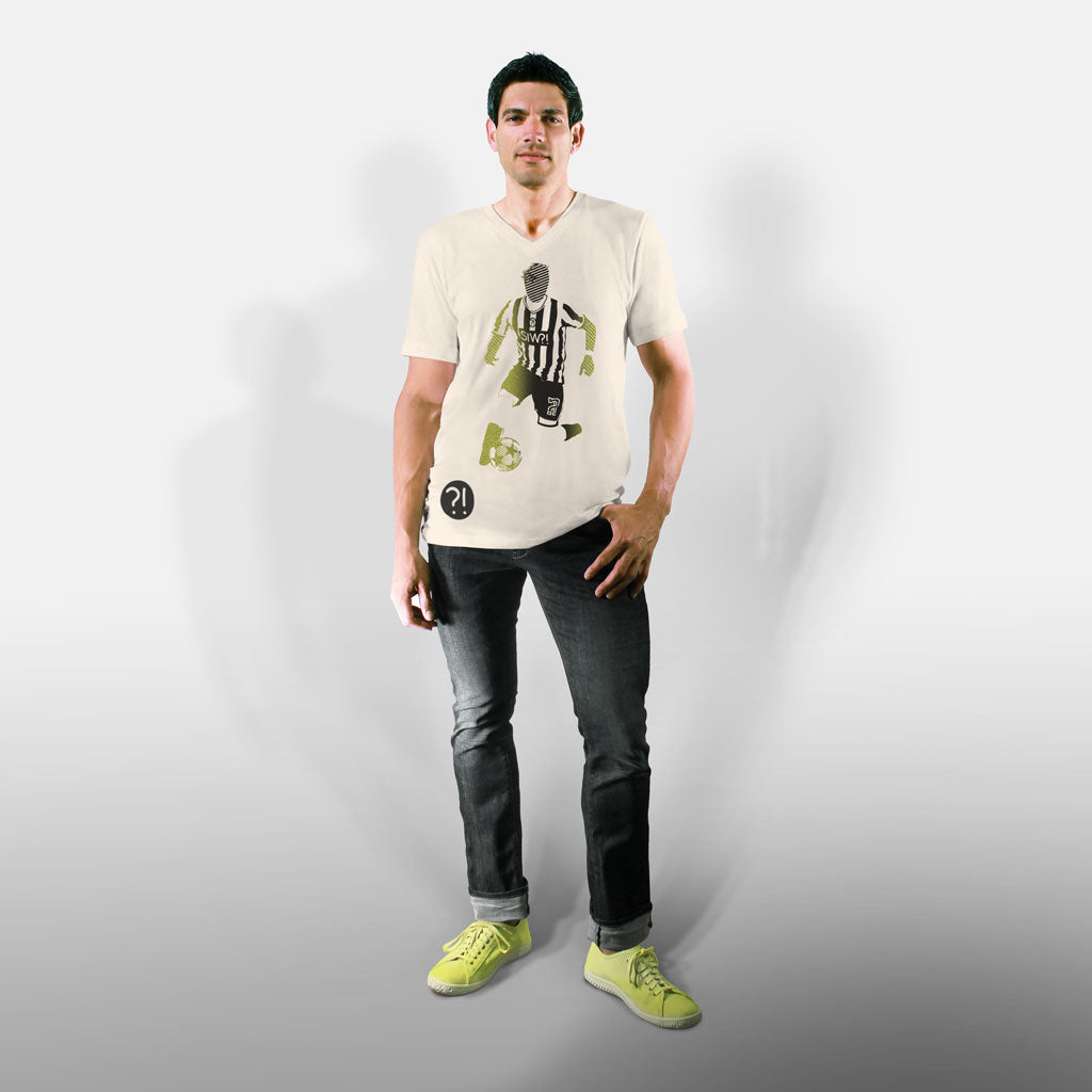 Model wearing Stick It Wear?! 'GROOVY JUVEE' Soccer V-Neck t-shirt in natural color.