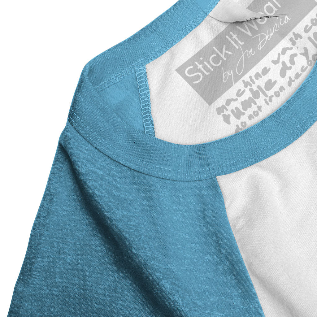 Collar of Stick it Wear?! 'LONDON' tennis practice t-shirt in white with blue sleeves.