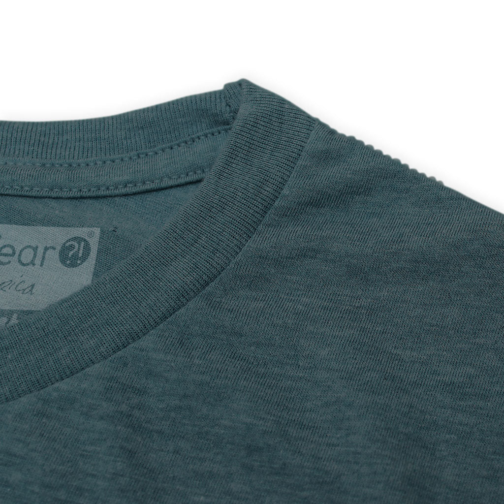 Collar of Stick It Wear?! 'ONE FOR THE TEAM' Mens Tennis Tshirt in denim.