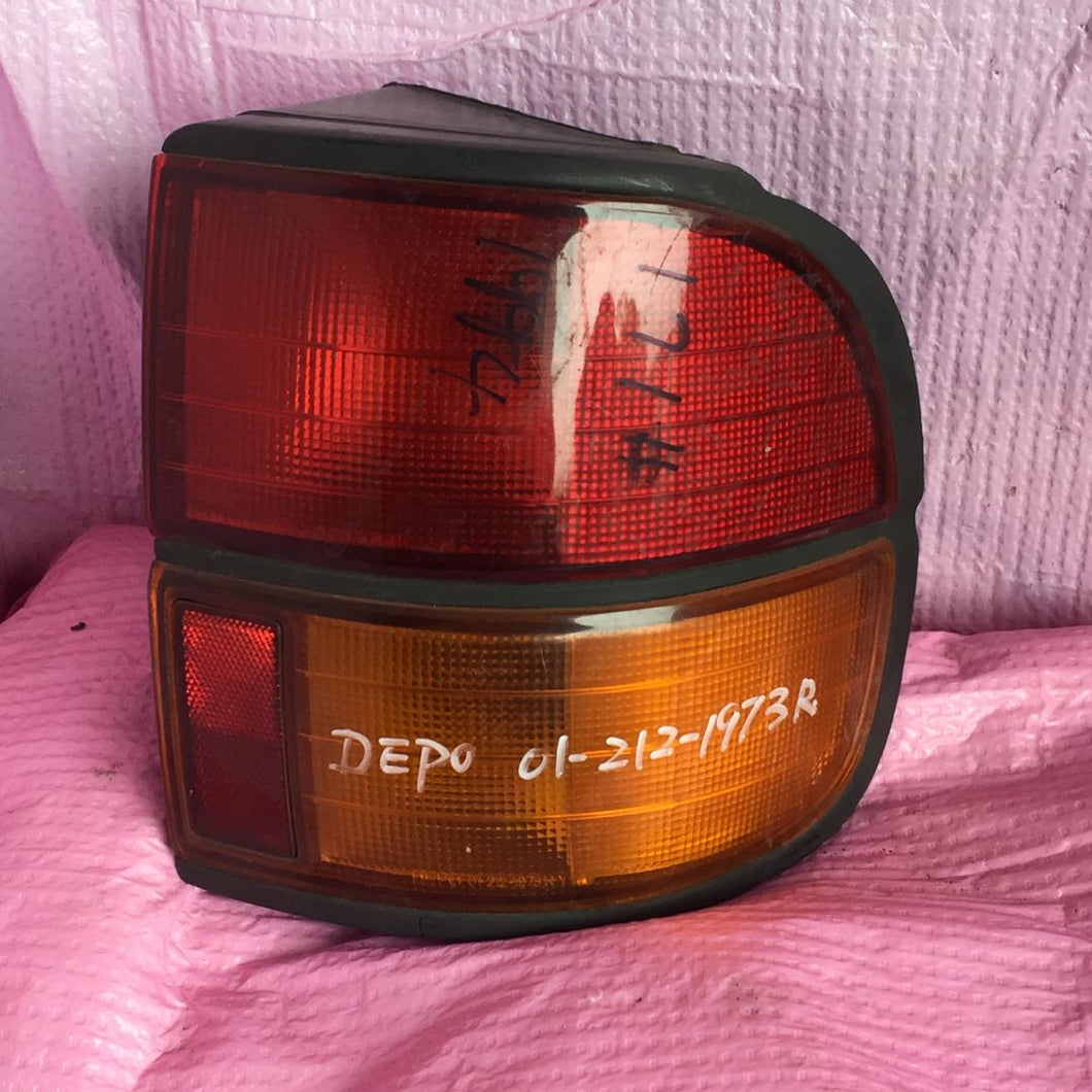 Toyota_Litace_taillight_DEPO_01-212-1973_(1)_S6CGPPWI0UO3.jpg