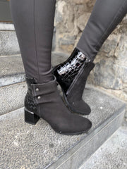 SoftWaves Black Leather Boots