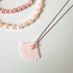 Shell & Pearl Necklace.