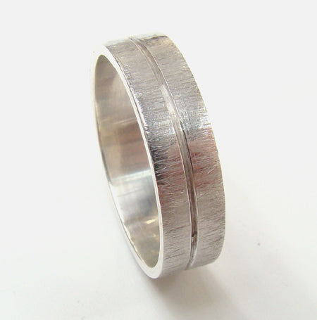White gold wedding ring gents