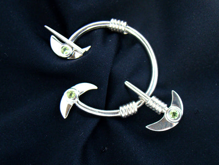 tara brooch with peridot