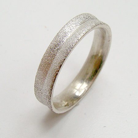 Concave white gold wedding ring