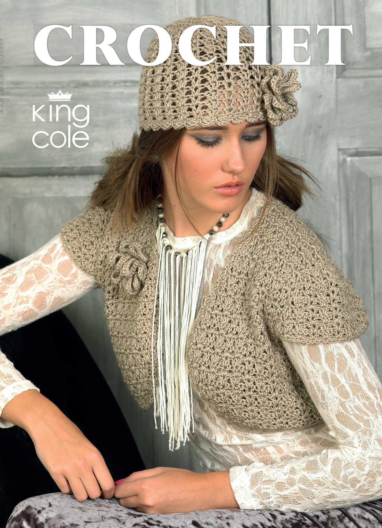 Ladies Double Knitting Pattern King Cole Sweater Scarf with Eyelet Detail 3844