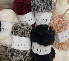 Sirdar Alpine Super Chunky & Supersoft Aran Pattern 8205 - Accessories