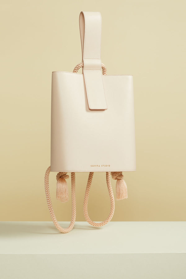 sac à dos Aya cuir de veau rose poudree aya backpack calf leather powder pink design bag