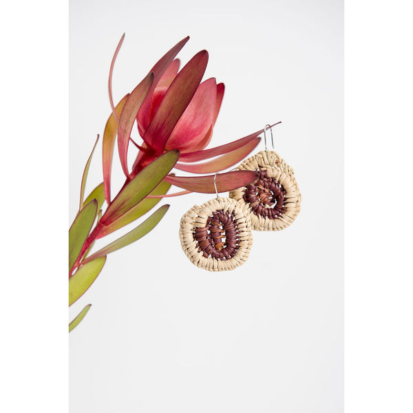 Woven pandanus earrings - brown and cream - Stylish Australiana - Ethical Australian Gifts and Souvenirs