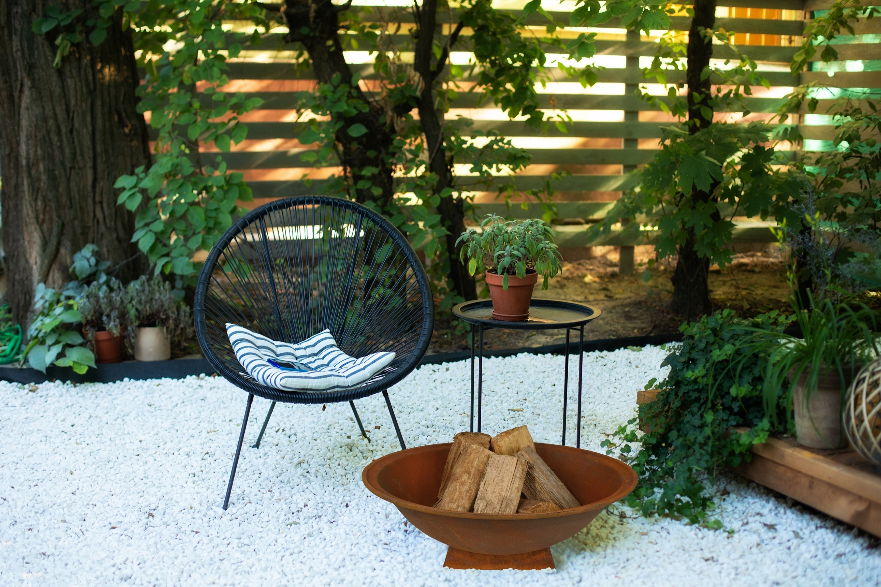 Outdoor-Fire-Pit-Area-Featuring-The-Hestia