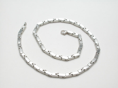 Link-Necklace AFFINITY in sterling silver. Available in satin matte or highly polished finish, length 18